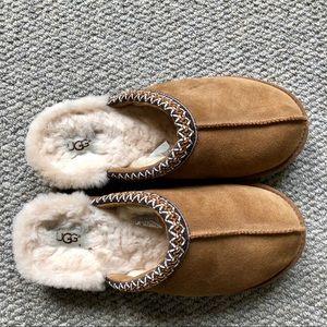 UGG chestnut women's slippers, size 10